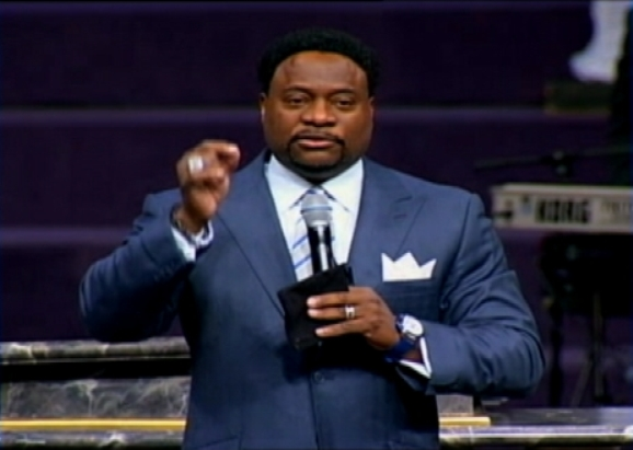 Bishop Eddie Long Taking Time Off From Church to Deal with Family Issues