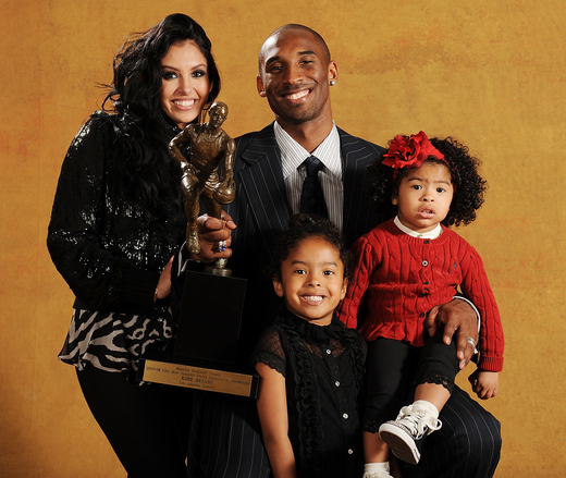 kobe bryant's wife vanessa files for divorce