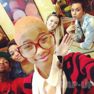 "Check Out Willow Smith New ""Do"""