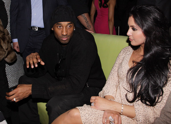 Kobe Bryant Begs Vanessa For Another Chance, Again
