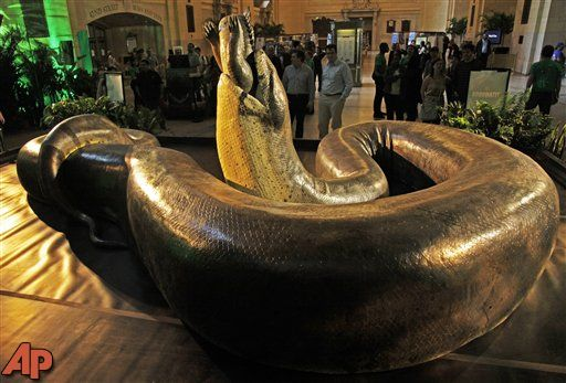 Just Freaky: Replica of ancient snake slithers through NYC