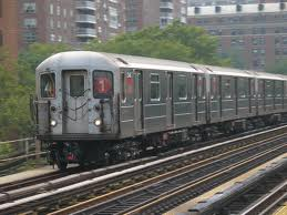 Woman Pushes Man in front of Subway Train