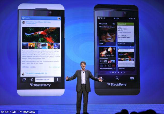 Spot the difference: BlackBerry launches Z10 which has no keyboard and looks just like an iPhone
