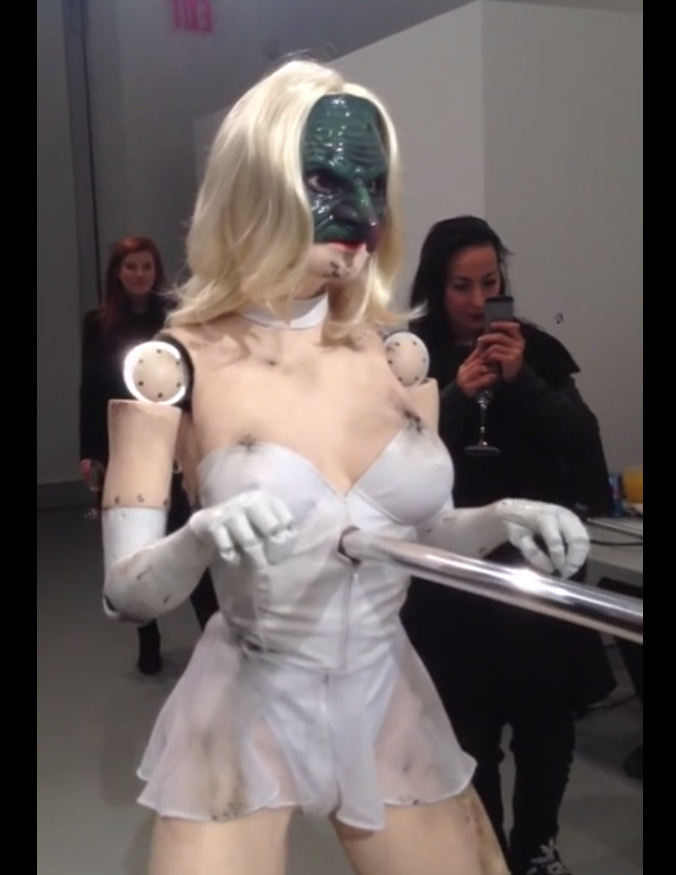 Crazy GaGa Robot Will Have You Going Gooo Gooo Gaaa Gaa…Weird, Check It Out!!